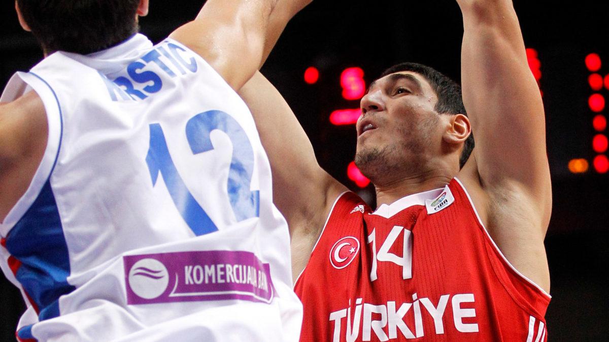 Καντέρ παίκτης Μπάσκετ της Εθνικής Τουρκίας