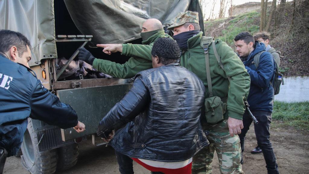 Συλλήψεις μεταναστών απο στρατό