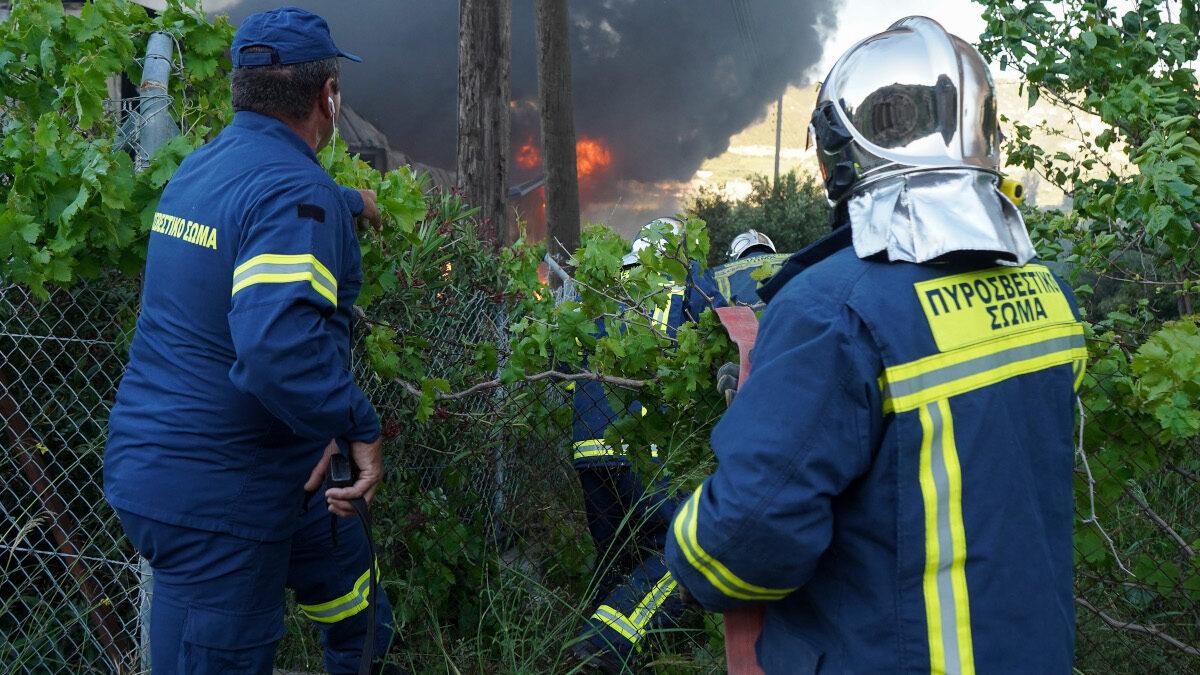 Κρήτη Ηράκλειο Πυρκαγιά σε εργοστάσιο