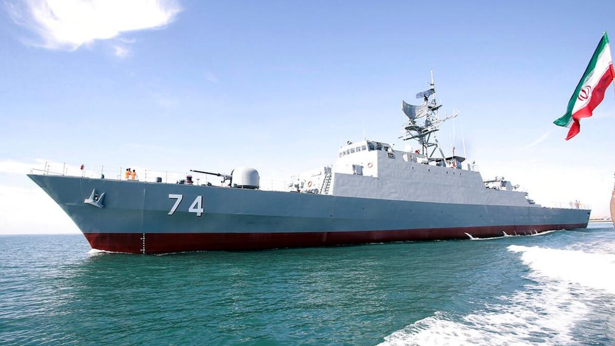 Πλοίο του ιρανικού πολεμικού νυατικού