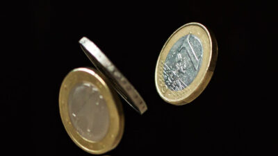 Χρήματα-οικονομία-ευρώ