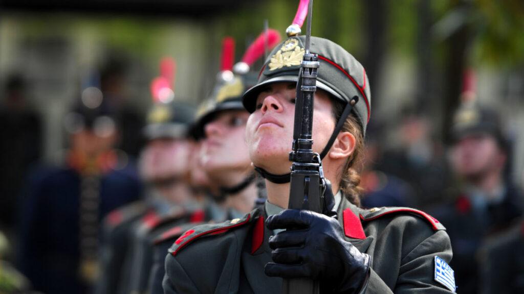 Από στρατιωτική τελετή της Σχολής Μονίμων Υπαξιωματικών - Τρίκαλα