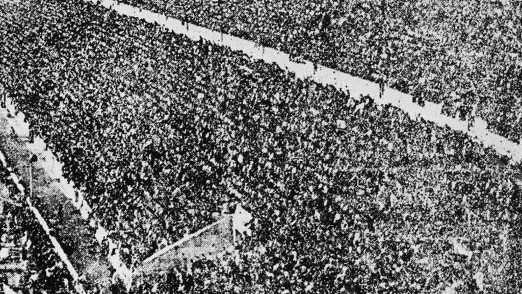 ΚΚΕ - Εργατική Πρωτομαγιά, 1945 - Συγκέντρωση Παναθηναϊκό Στάδιο