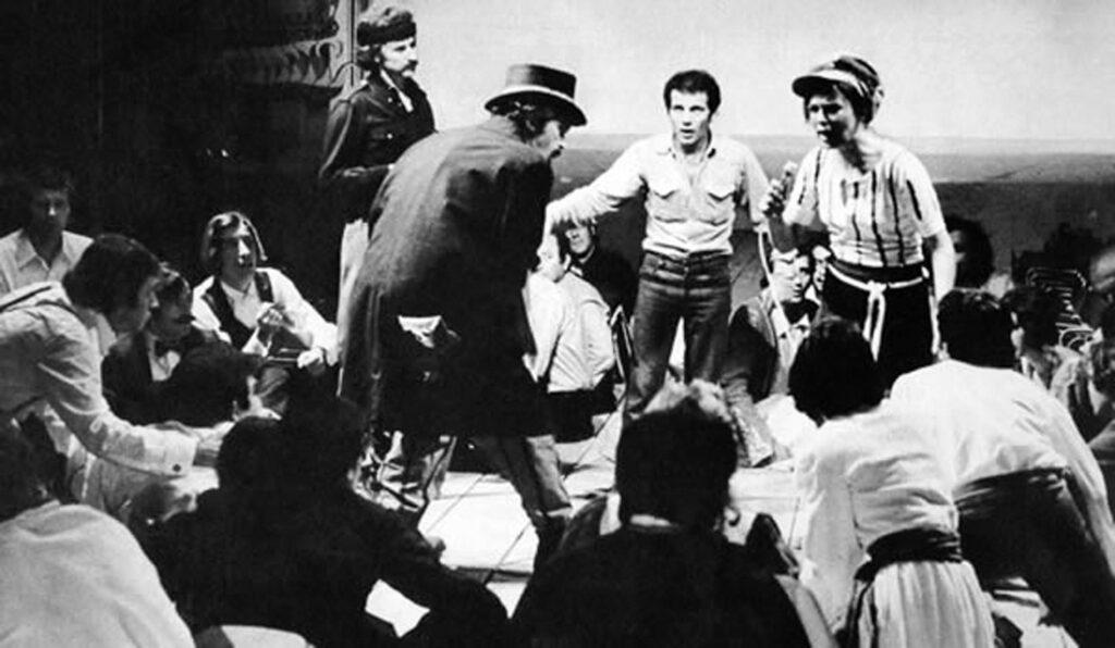 Πολιτισμός - Μουσική - Κώστας Καζάκος, Τζένη Καρέζη - Νίκος Ξυλούρης - Το Μεγάλο μας Τσίρκο