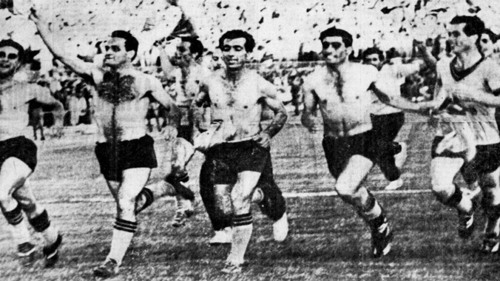 Αθλητισμός - Ποδόσφαιρο - ΑΕΚ - πρωταθλήτρια, 1963