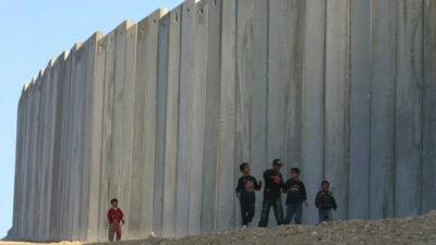 Το τείχος που έχει χτίσει το Ισραήλ γύρω από την Γάζα