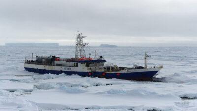 Παγοθραυστικό πλοίο