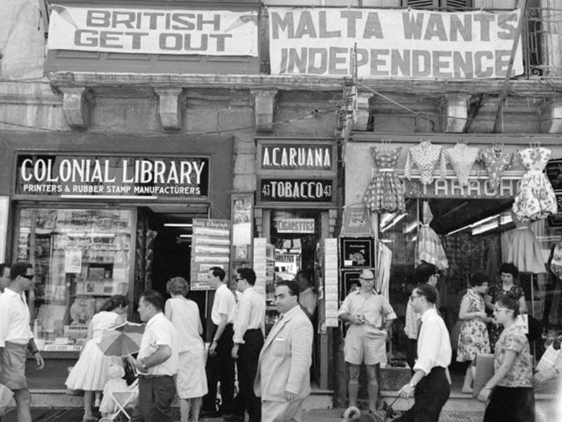Αντιβρετανικά πανό στη Μάλτα