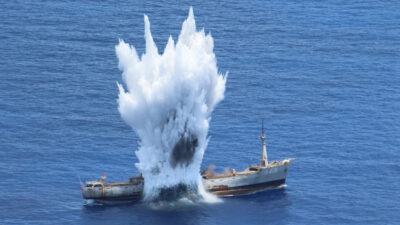 Άσκηση του Πολεμικού Ναυτικού-βύθιση πλοίου