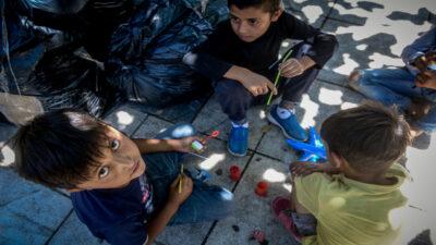 Πρόσφυγες από τη Μόρια στην Πλατεία Βικτωρίας