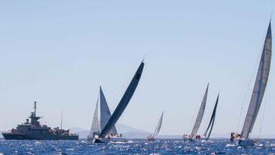 Απονομή επάθλων στους νικητές του 57ου Ράλλυ Αιγαίου στη Ναυτική Διοίκηση Αιγαίου (ΝΔΑ