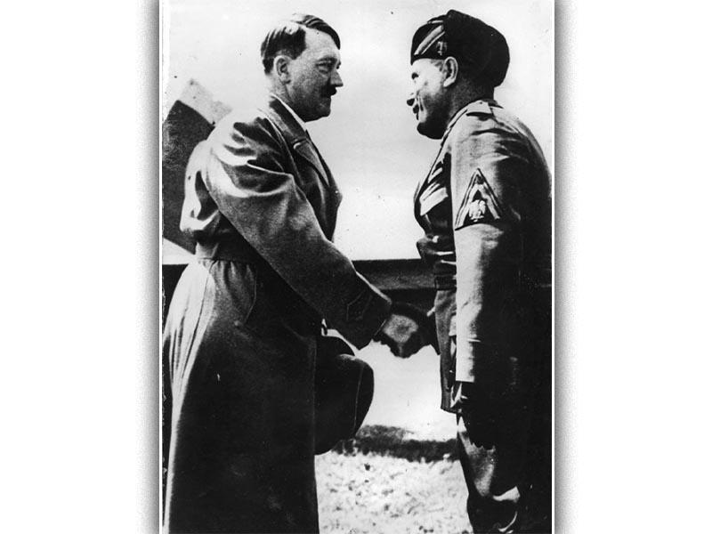 Ο Αδόλφος Χίτλερ με τον Μπενίτο Μουσολίνι