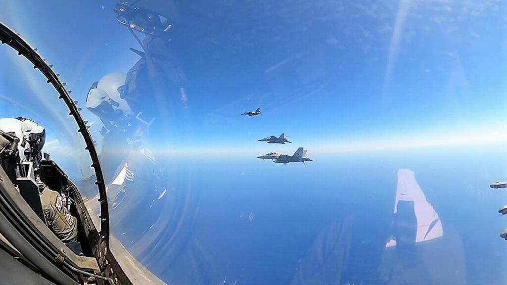 Συνεκπαίδευση μονάδων της Πολεμικής Αεροπορίας με το αεροπλανοφόρο Αϊζενχάουερ