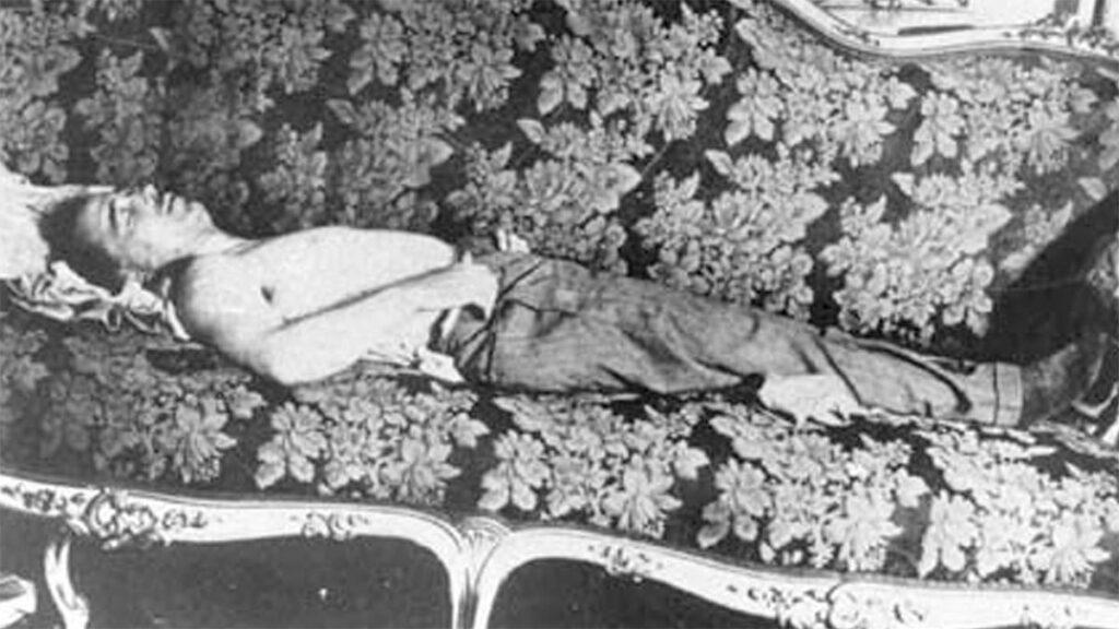 Ο Ντόλφους κείτεται νεκρός σε αίθουσα της Αυστριακής Καγκελαρίας