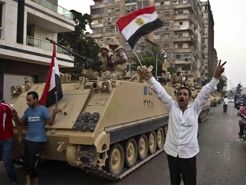 Αίγυπτος - Αδελφοί Μουσουλμάνοι - στρατός - πραξικόπημα, 2013