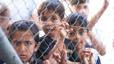 Hot Spot Σάμου Πρόσφυγες μεταναστες παιδί