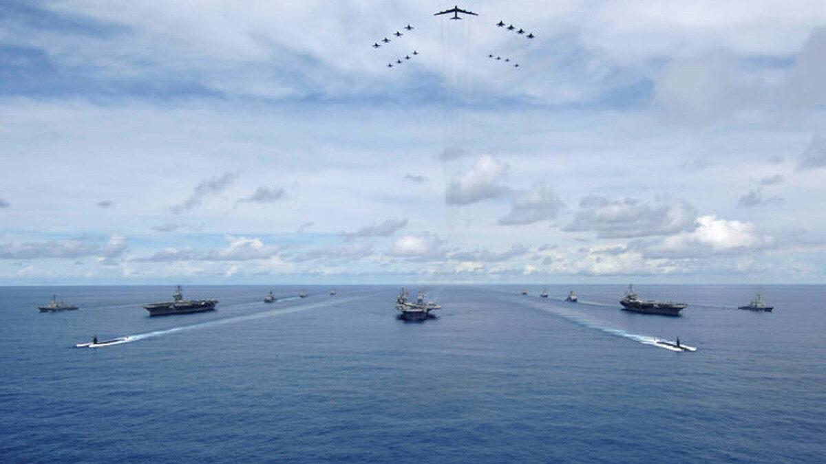 άσκηση αμερικανικών αεροπλανοφόρων στον Ειρηνικο