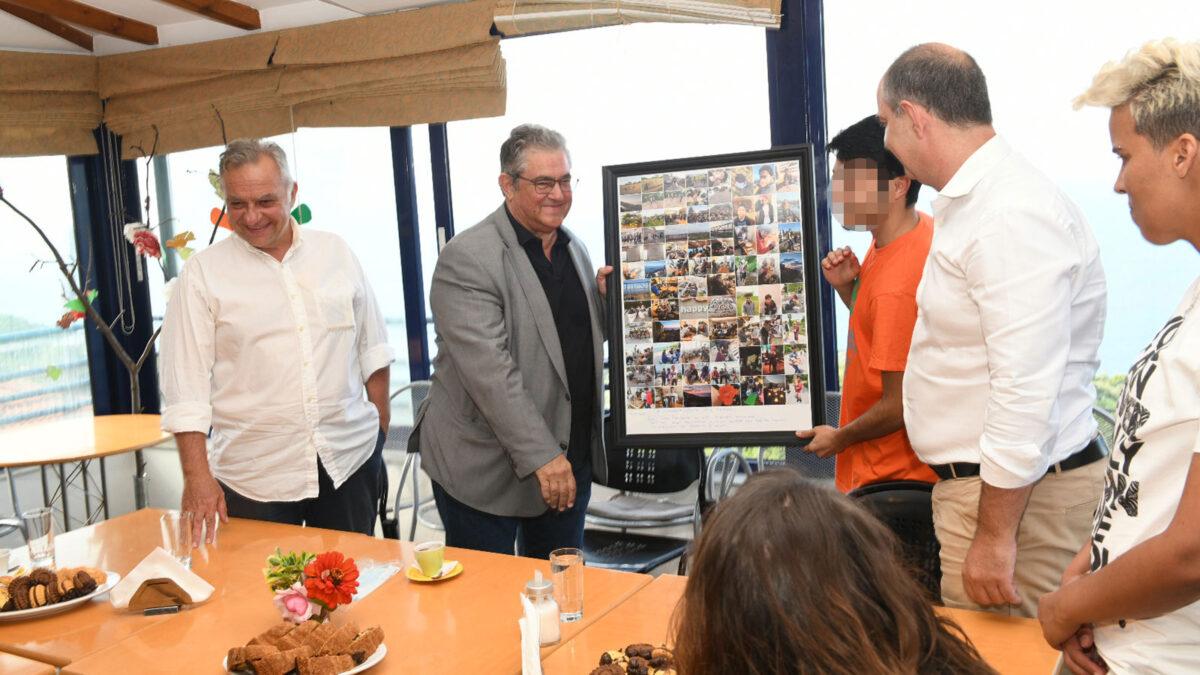 Δομή Ασυνόδευτων Ανηλίκων στην Καρίτσα Λάρισας επισκέφτηκε ο ΓΓ της ΚΕ του ΚΚΕ Δημήτρης Κουτσούμπας - 18/7/2020