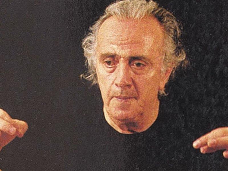 Ο Νίκος Μαμαγκάκης