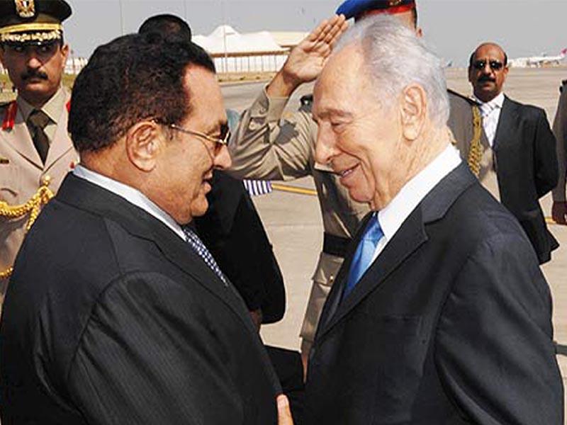 Ο Χόσνι Μουμπάρακ με τον Σιμόν Πέρεζ