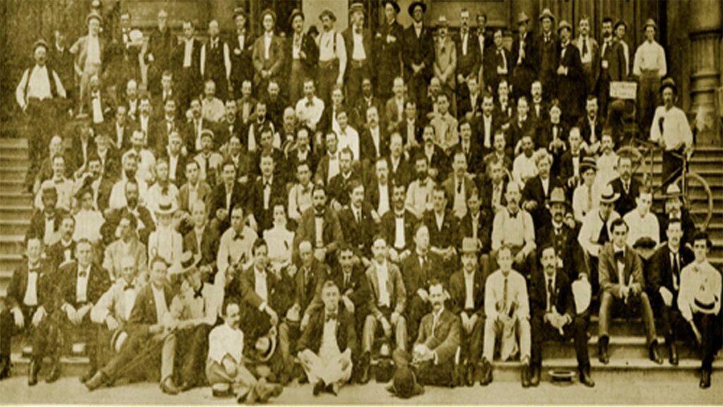 Σύνεδροι στο Ιδρυτικό Συνέδριο του Σοσιαλιστικού Κόμματος