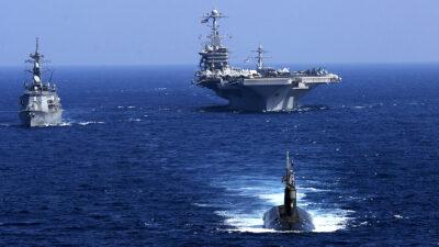 Ειρηνικός Ωκεανός Feb. 12, 2009 Το Αμερικανικό Υποβρύχιο USS Seawolf (SSN 21), Το Ιαπωνικό Αντιτορπιλικό JS Oonami (DD 111) και το Αμερικανικό Αεροπλανοφόρο USS John C. Stennis (CVN 74)