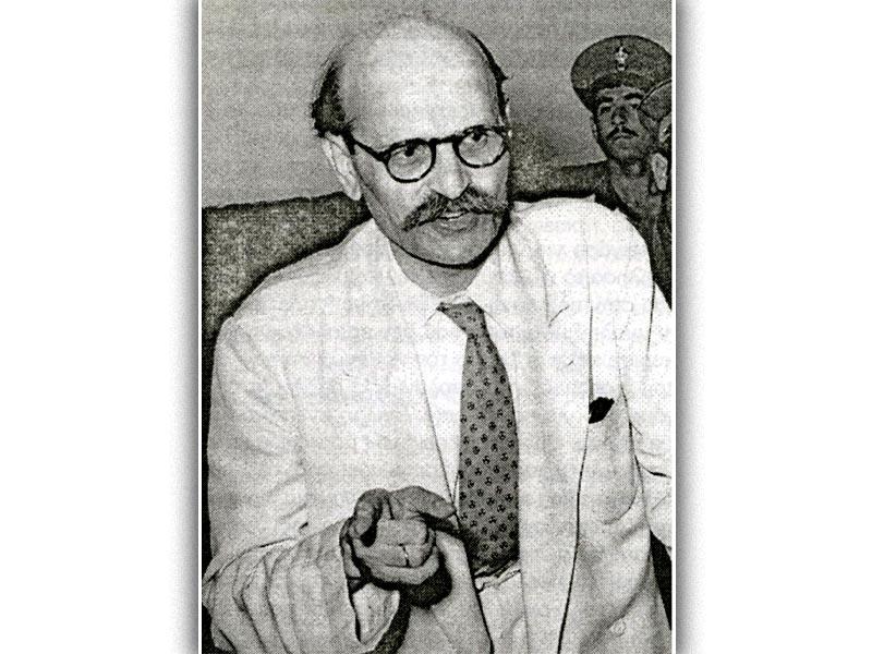 Ο Ν. Πλουμπίδης κατά την διάρκεια της δίκης του
