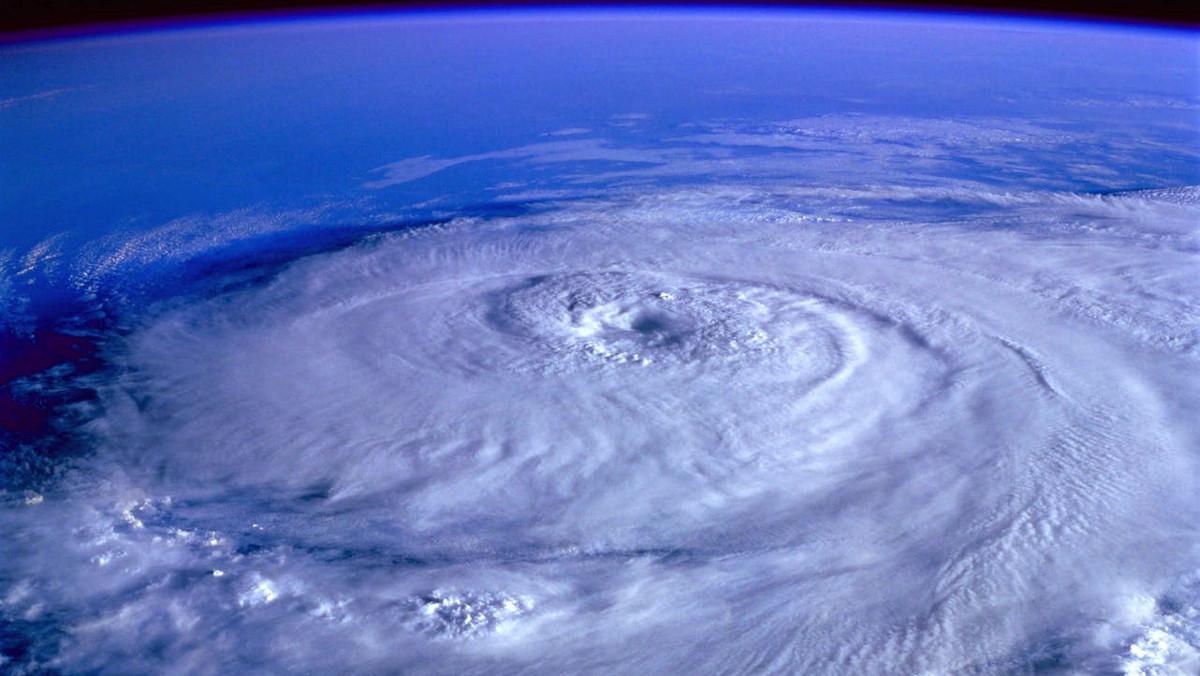 Τυφώνας σε εξέλιξη - Λήψη από μετεωρολογικό δορυφόρο