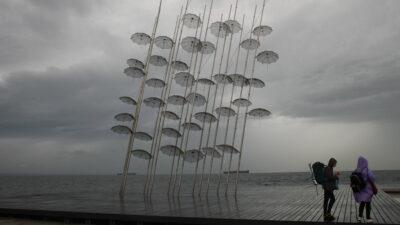 Καλοκαιρινή βροχή στη Θεσσαλονίκη