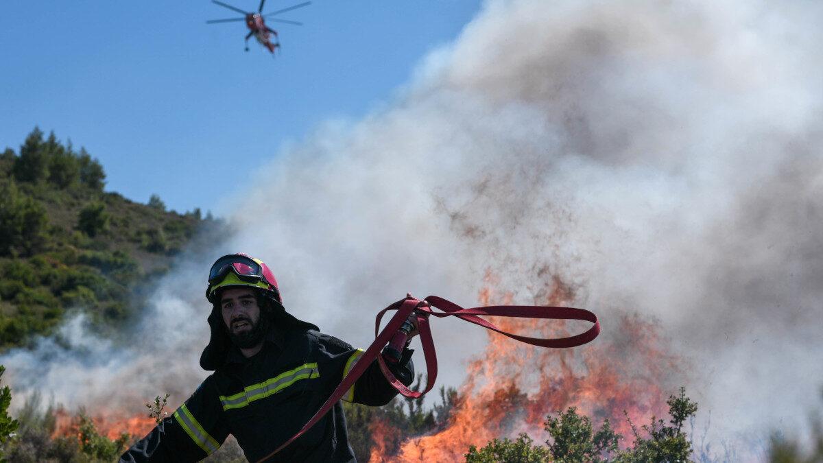 Πυροσβεστική - Κατάσβεση πυρκαγιάς στο Διόνυσο Αττικής 25/8/2020