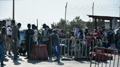 μεταφορά προσφύγων και μεταναστών στο καρά τεπέ