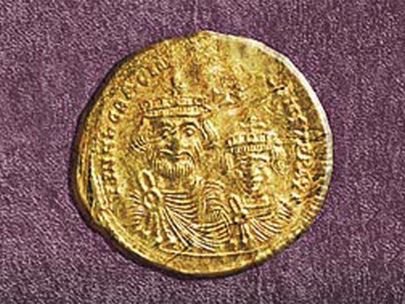 Νόμισμα με τον βυζαντινό αυτοκράτορα Ηράκλειο