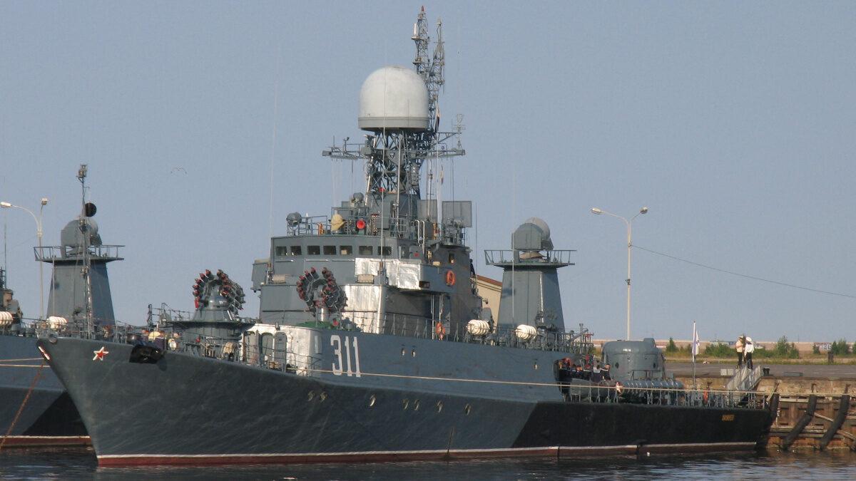 Φρεγάτα Kazenets F311 του Ρωσικού Στόλου δεμένο στο Ναύσταθμο της Κροστάνδης
