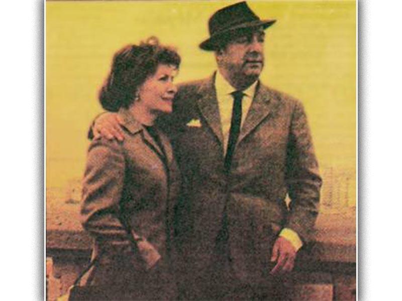 Ο ποιητής με τη γυναίκα του Ματίλντε Ουρούτια, το 1965, στην Ουγγαρία