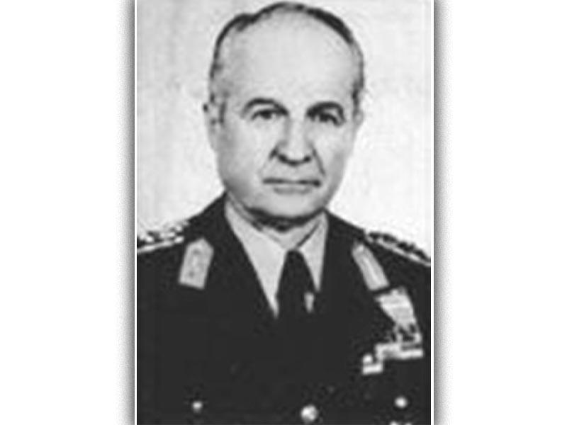 Ο Κενάν Εβρέν