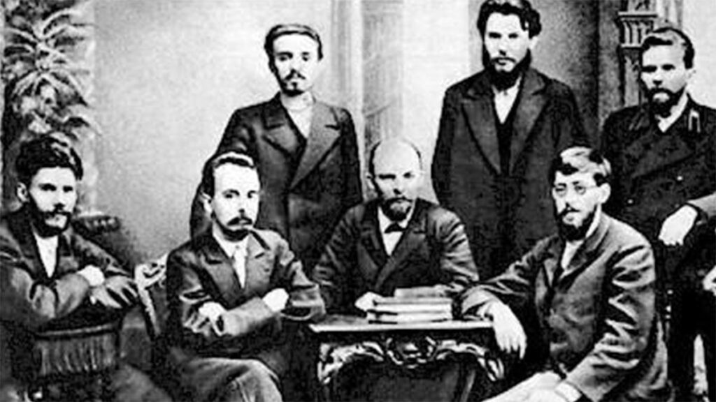 Ο Β.Ι. Λένιν, ανάμεσα στα μέλη της Ομάδας