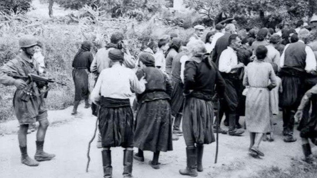 Οι ναζί συγκεντρώνουν τους κατοίκους της Βιάννου