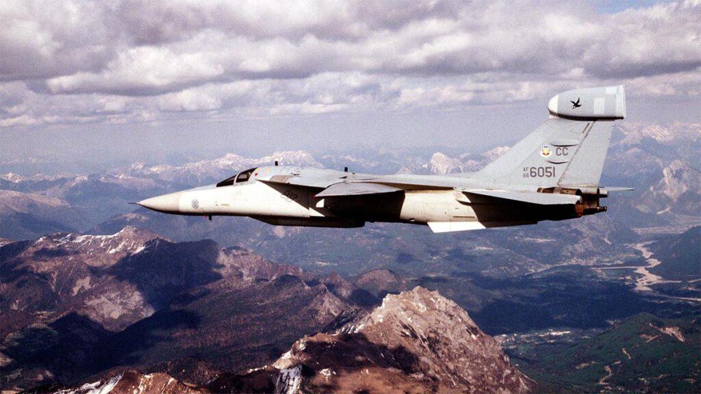 Βομβαρδιστικό του ΝΑΤΟ στον βομβαρδισμό της Γιουγκοσλαβίας