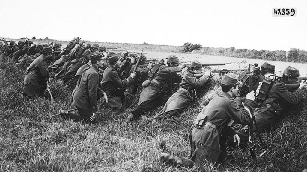 Γάλλοι κατά την πρώτη φάση της μάχης