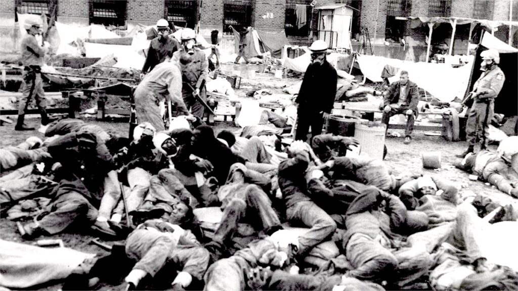 """Νεκροί και τραυματίες κρατούμενοι της φυλακής """"Άττικα"""" μετά την επέμβαση της αστυνομίας το 1971"""