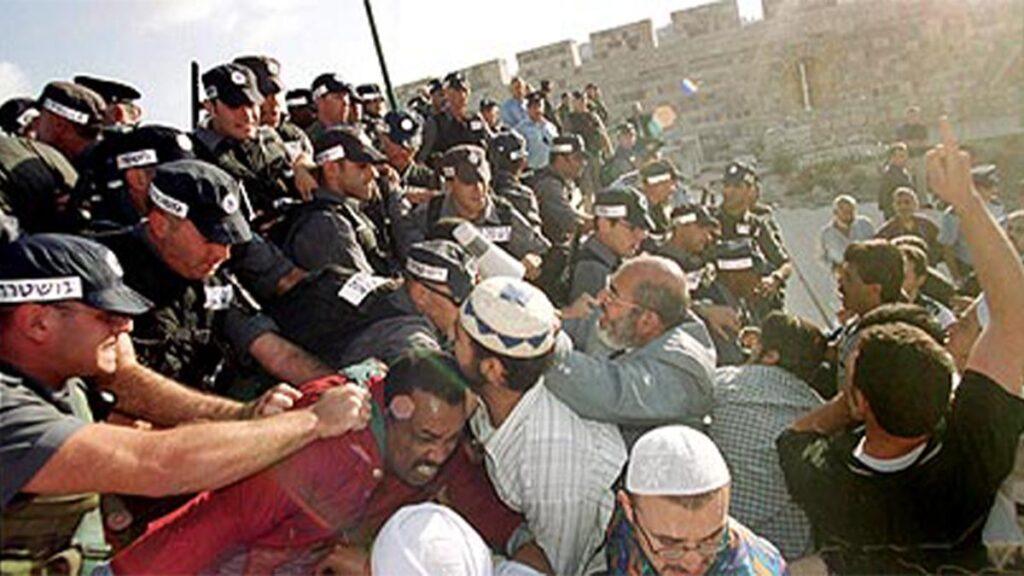 Η βαρβαρότητα του Ισραηλινού κράτους απέναντι στη δεύτερη Ιντιφάντα