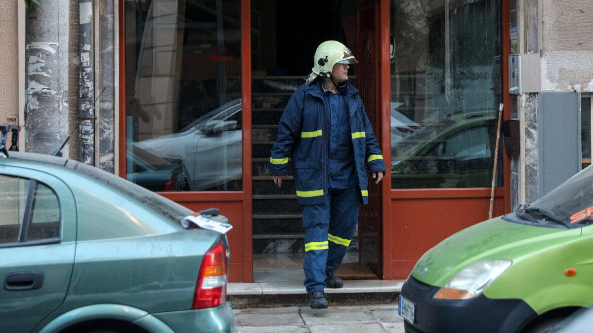 Πυροσβέστης πυρκαγιά πολυκατοικία νεκρός ηλικωμένος