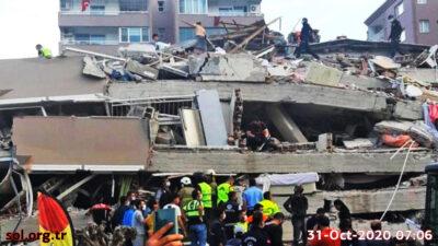 Στιγμιότυπο από κατάρρευση πολυκατοικίας στη Σμύρνη- Σεισμός 30-10-20