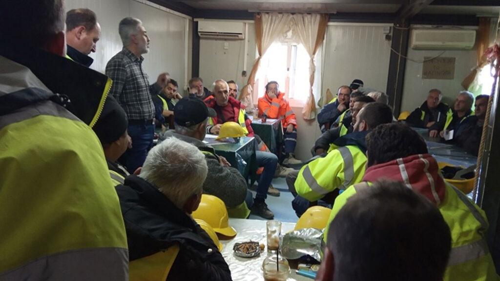 Αντιπροσωπία της Γραμματείας Ξάνθης του ΠΑΜΕ, επισκέφθηκε την Παρασκευή 17 Γενάρη 2020 το εργοτάξιο της εταιρίας «ΑΚΤΩΡ» στο χωριό Δημάριο, όπου κατασκευάζεται το έργο του κάθετου άξονα Ξάνθης- Εχίνου - Ελληνοβουλγαρικών συνόρων και το Σάββατο 11 Γενάρη σκοτώθηκε ένας εργάτης