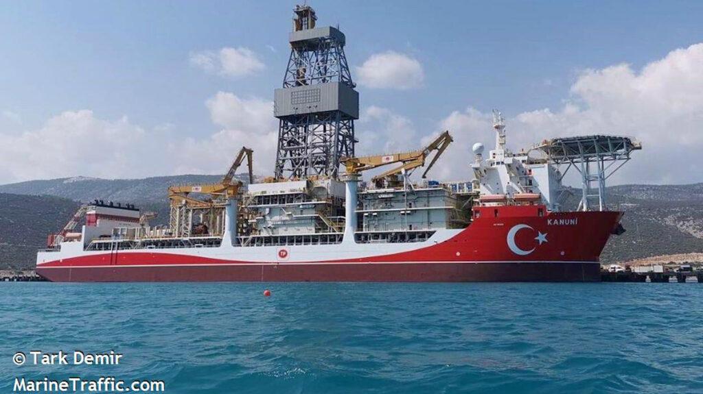 """Το πλωτό γεωτρύπανο της Τουρκίας """"KANUNI"""""""