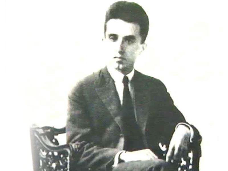 Ο Κώστας Καρυωτάκης