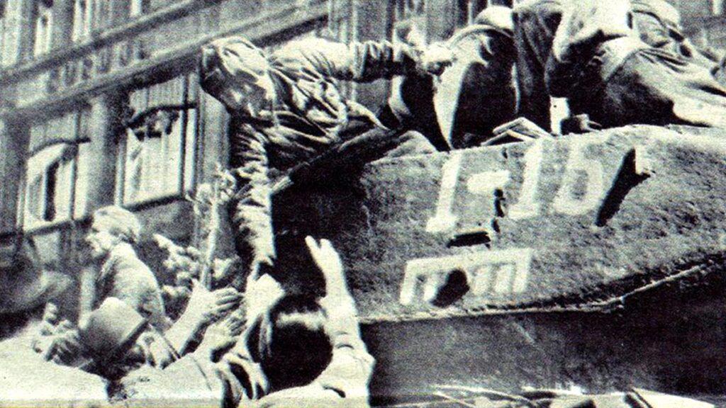 Ο απελευθερωτής Κόκκινος Στρατός στην Πράγα