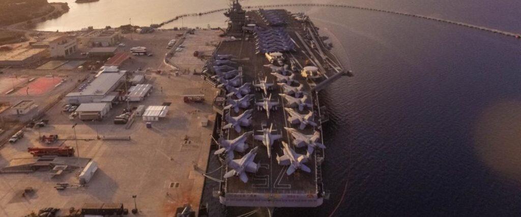 Αεροπλανοφόρο στη βάση της Σούδας
