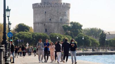 Θεσσαλονίκη - Φθινοπωρινή λιακάδα στην παραλία