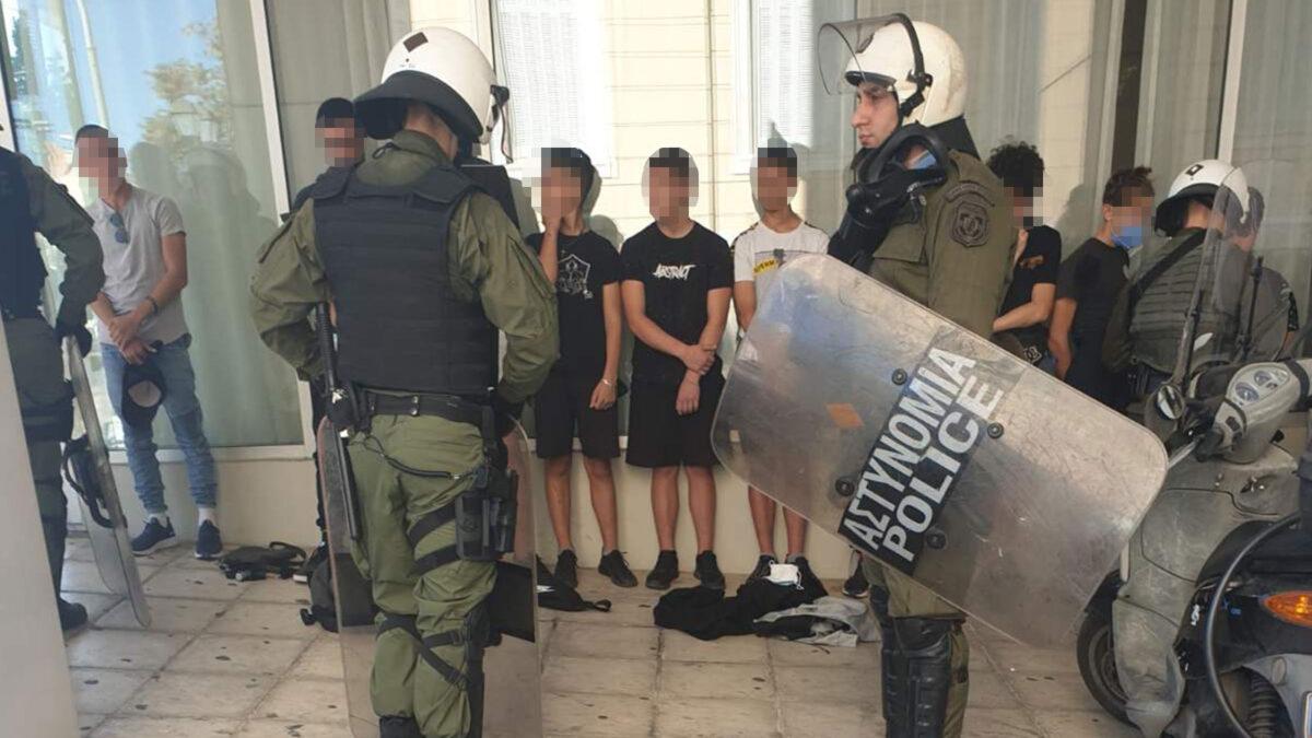 Φώτο Αρχείου / Καταστολή - Ελληνική Αστυνομία - ΜΑΤ - Προσαγωγές μαθητών στο συλλαλητήριο της 15ης Οκτώβρη 2020